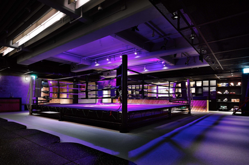 ボクシングジムの照明